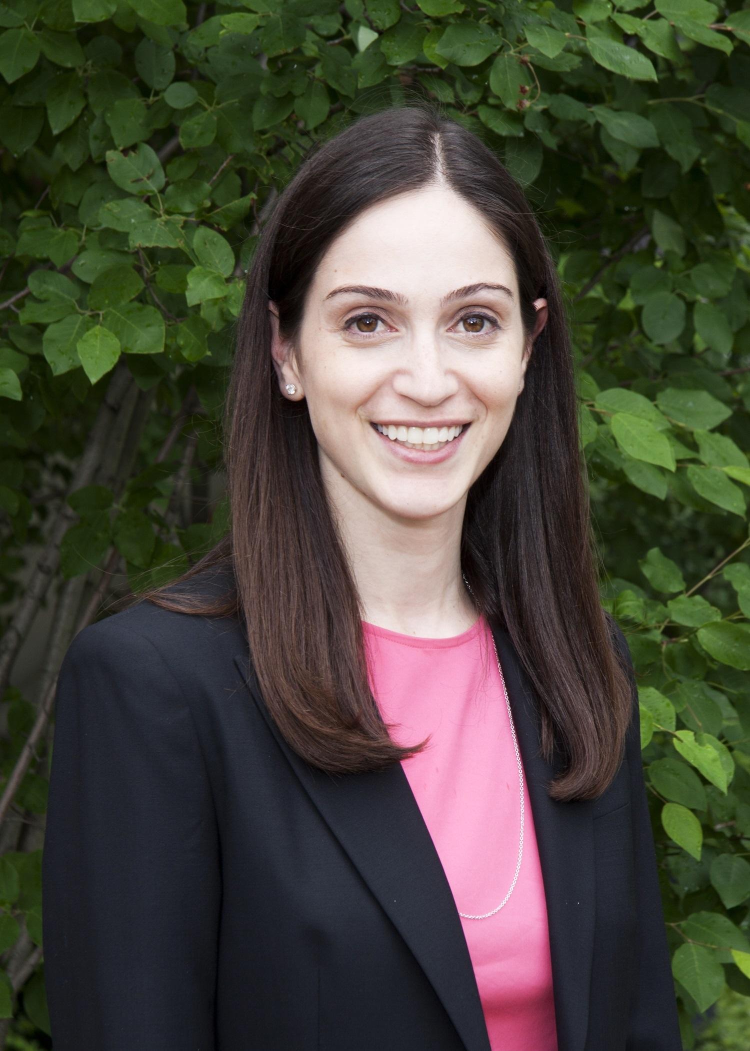 Pediatric & Adult Strabismus Ophthalmologist Alexandra O. Apkarian, MD
