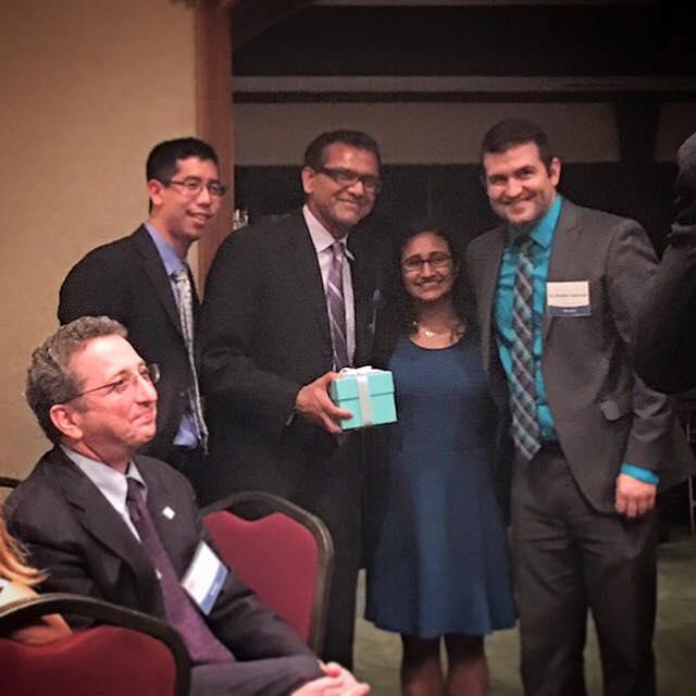 """Dr. Rao receives 'Teacher of the Year"""" from Beaumont ophthalmology residents"""